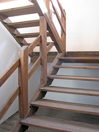 Лестницы из дерева по индивидуальным размерам. Дом, коттедж,