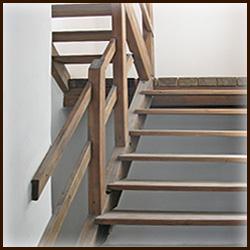 Лестницы из дерева. Деревянные лестницы. Хвойные породы.