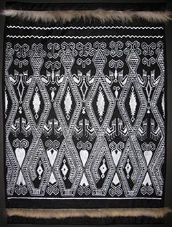 Рисунок по ткани. Копия индонезийского орнамента.