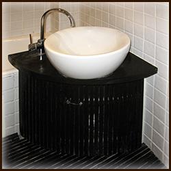 Тумба под круглую раковину в ванную комнату. Дверки из деревянных реек.